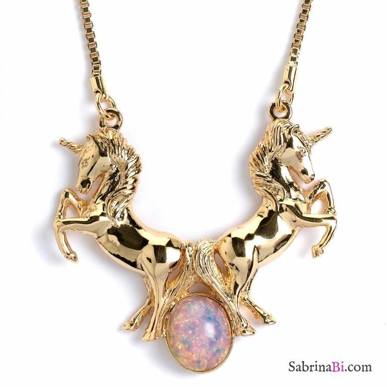 Collana corta Unicorno placcata oro con opale
