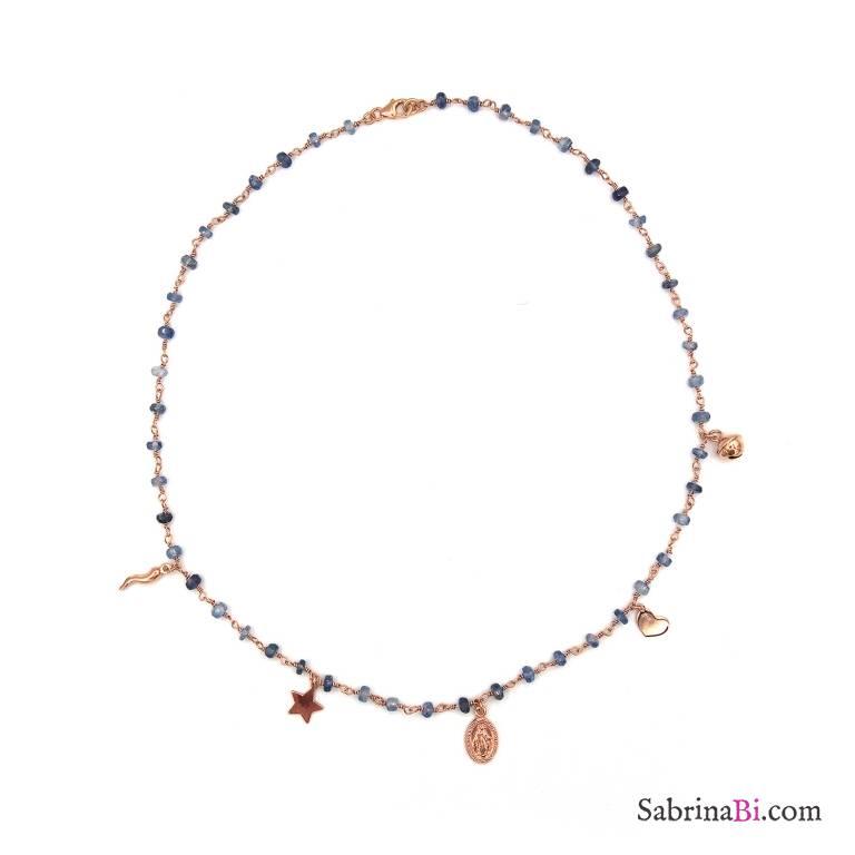 Collana girocollo rosario argento 925 oro rosa pietre dure blu e 5 charms