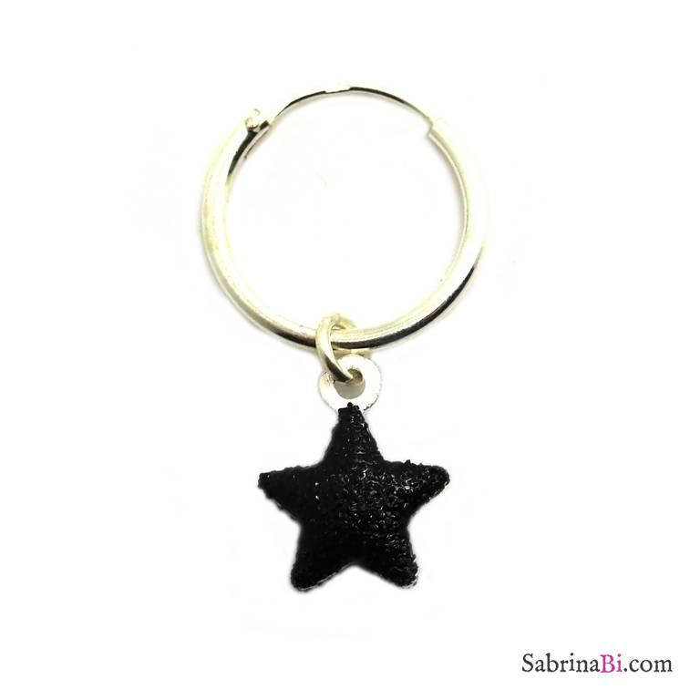 Mono-orecchino a cerchio 1cm argento 925 stella nera glitter