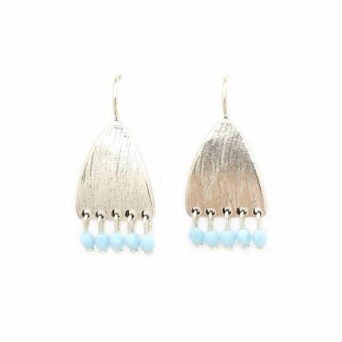 Orecchini pendenti corti placca argento e perline azzurre