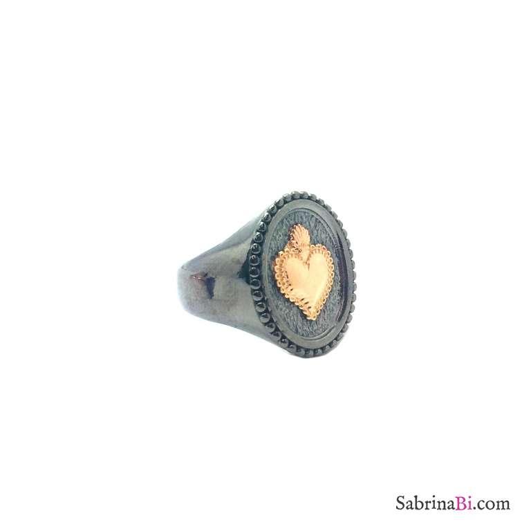 Anello Chevalier regolabile argento 925 rodiato nero cuore sacro