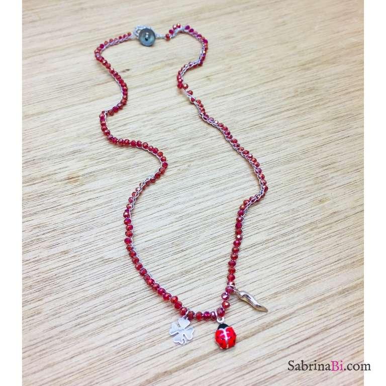 Collana all'uncinetto con Rubino rosso e lucky charms