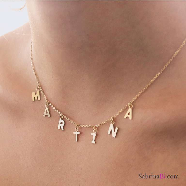 Collana girocollo oro 9K con 2 lettere pendenti