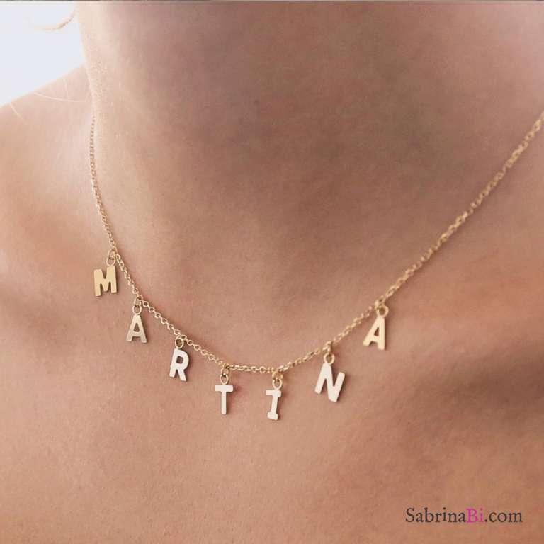 Collana girocollo oro 9K con 5 lettere pendenti
