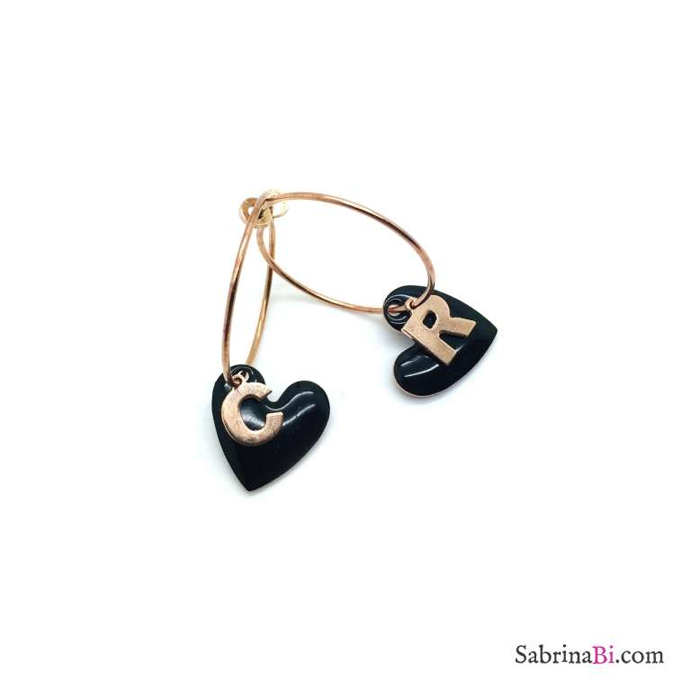 Orecchini a cerchio argento 925 oro rosa maxi cuore nero e lettera iniziale nome