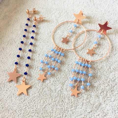 Orecchini pendenti a cerchio rosario azzurro e stelle