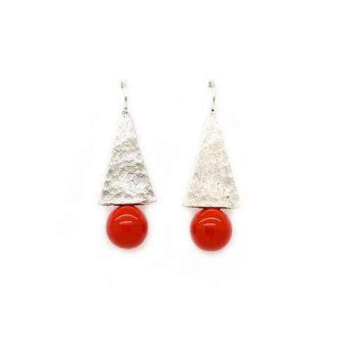 Orecchini pendenti placca argento e perla rossa